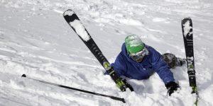 Met de gipsvlucht naar huis door ongeluk tijdens wintersport