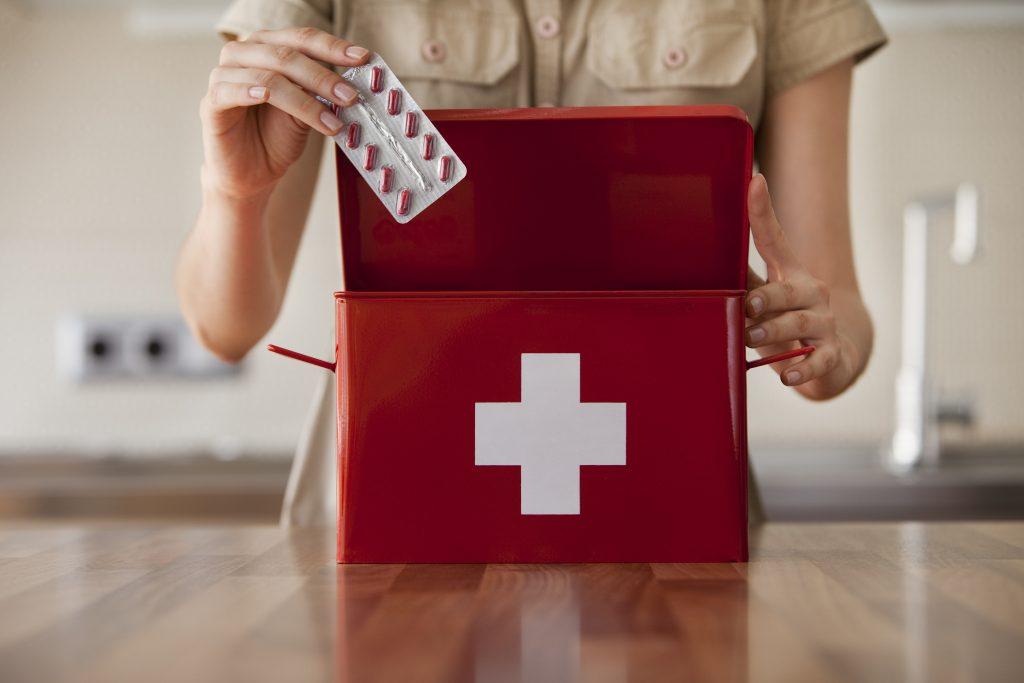 EHBO-kit: wat moet erin zitten en hoe stel je deze samen?