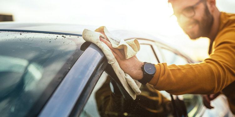 Auto wassen met de hand